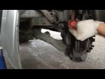 Toyota Noah: меняем передние тормозные колодки