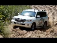 Тест-драйв Toyota Land Cruiser 200 2015 в песках от Александра Михельсона
