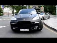 Видео тест-драйв заряженного Porsche Cayene Turbo S от Moskvavto
