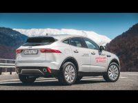 Видео тест драв компактного Jaguar E-Pace с Игорем Бурцевым