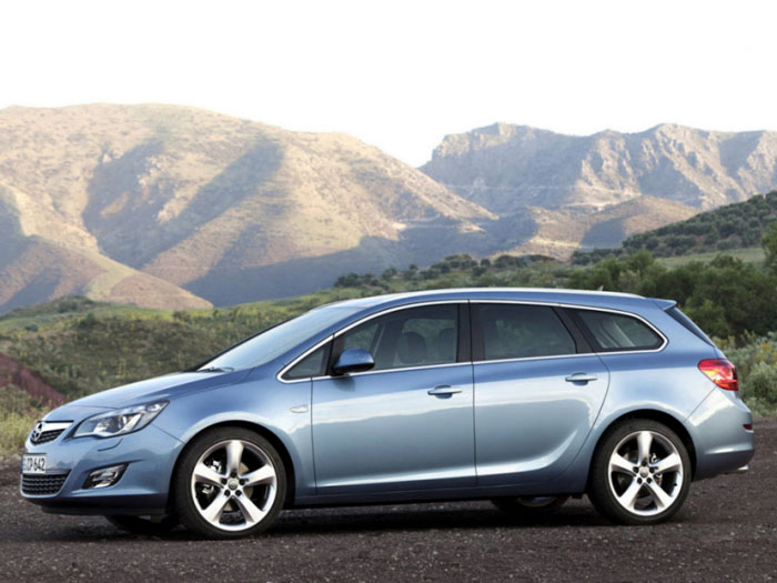 Фото Opel Insignia Sports Tourer универсал 5 дв. - CARS.ru