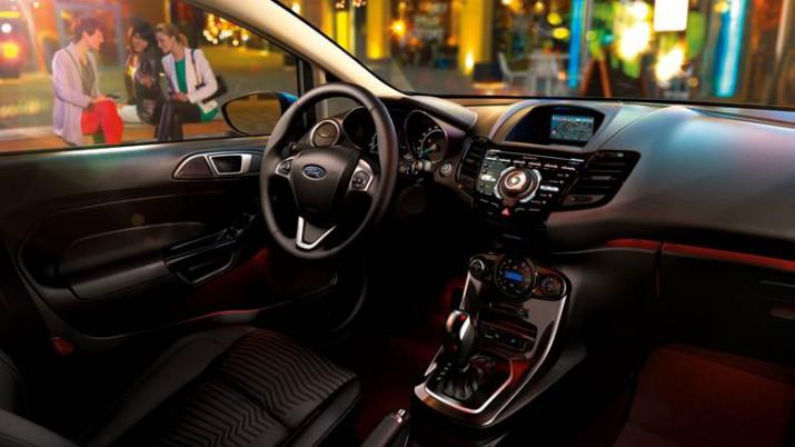 Ford Fiesta интерьер
