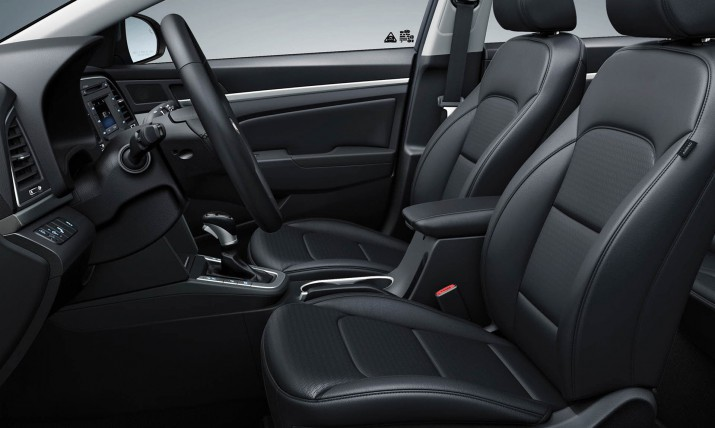 Hyundai Elantra интерьер