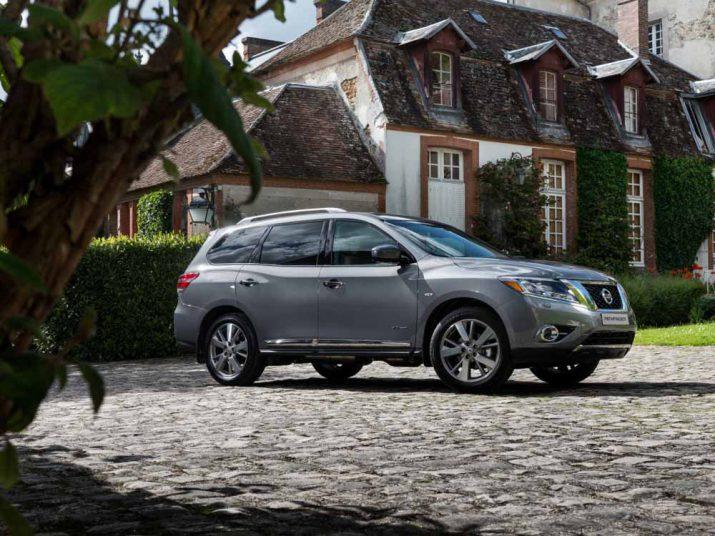 Nissan Pathfinder экстерьер