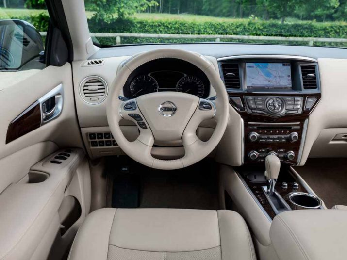 Nissan Pathfinder интерьер