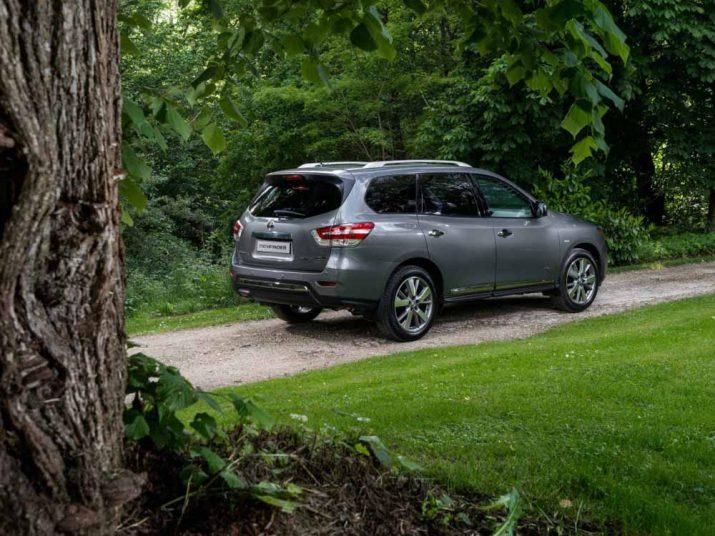 Nissan Pathfinder внешний вид