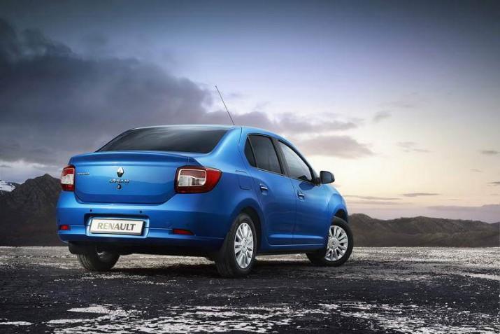 Renault Logan вид сзади