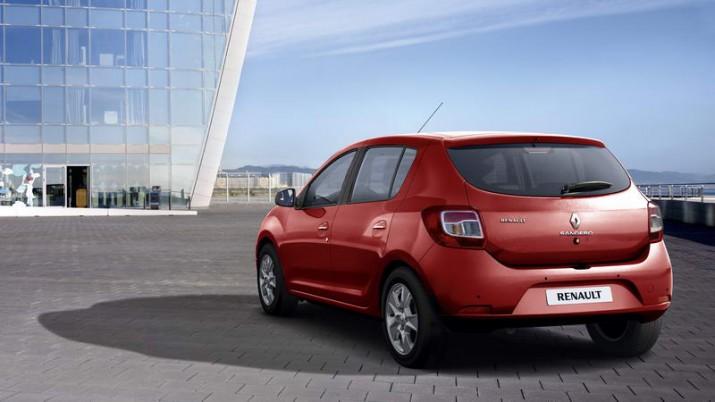 Renault Sandero вид сзади