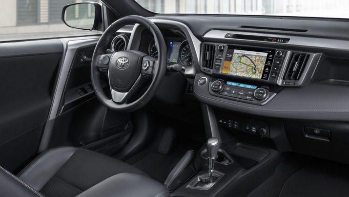 Toyota RAV4 интерьер