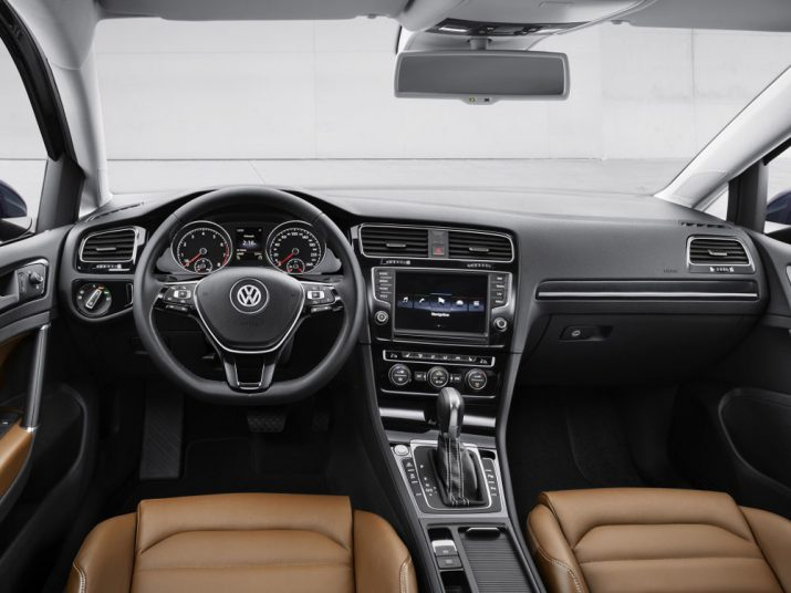 Volkswagen Golf интерьер