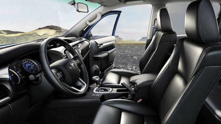 Toyota Hilux интерьер