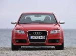 Audi RS4 2005 фото04