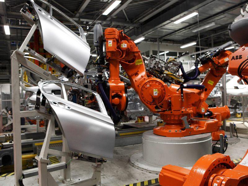 как собирают двигатели баварского моторного завода