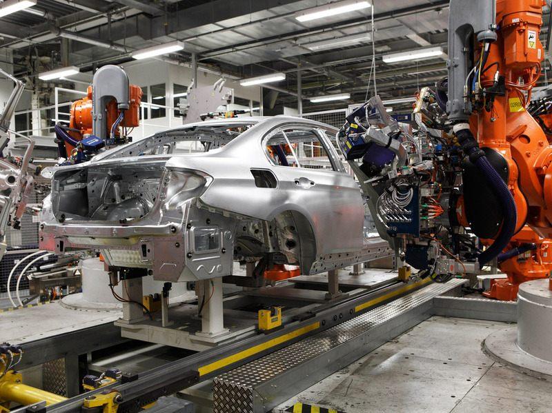 как собирают движки баварского моторного завода