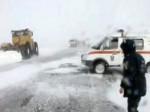 Снег заблокировал несколько десятков автомобилей на трассе Волгоград-Саратов
