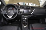 Toyota Auris 2013 Фото 12