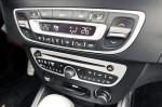 Opel-Astra-vs.-Renault-Fluence-13