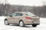 Opel-Astra-vs.-Renault-Fluence-9