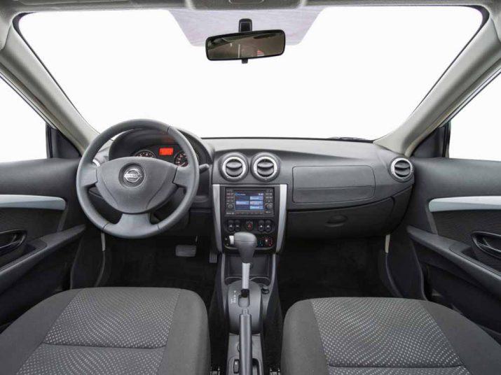 Nissan Almera интерьер