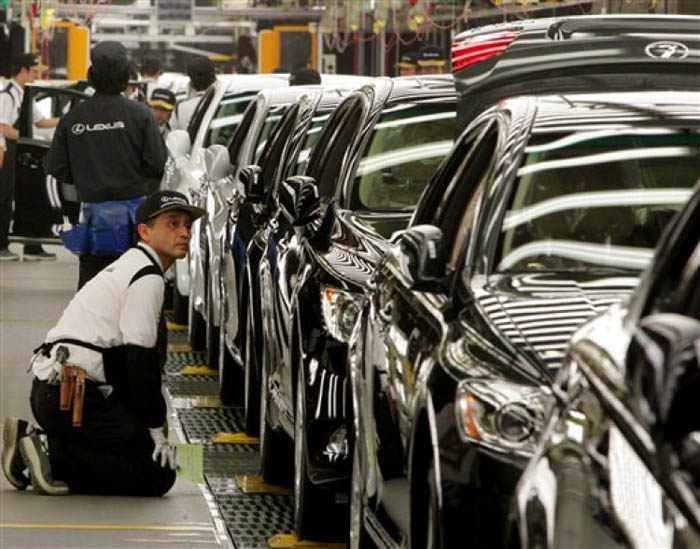japan and automobile industry essay