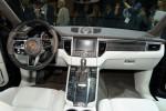 BMW X4 vs Porsche Macan Фото 08