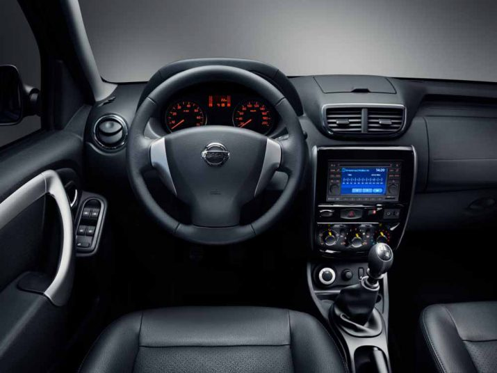 Nissan Terrano интерьер