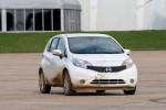 Nissan тестирует самоочищающийся автомобиль Фото 14