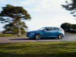 Volvo V60 Plug-In Hybrid R-Design 2015 Фото 02