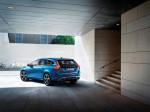 Volvo V60 Plug-In Hybrid R-Design 2015 Фото 09