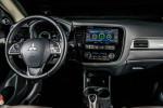 гибридный Mitsubishi Outlander PHEV 2014 Фото 08