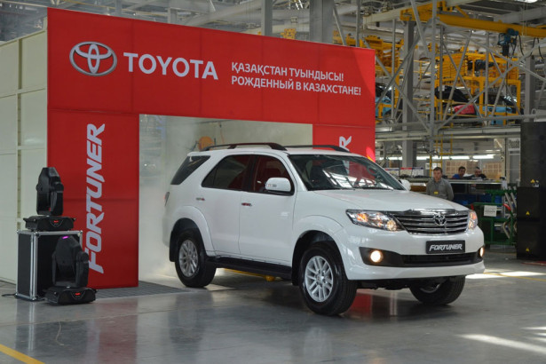 Toyota Fortuner 2014 Фото 01