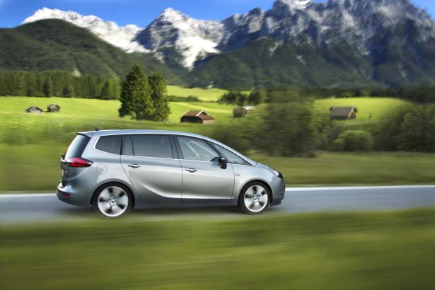 Opel Zafira Tourer 2014 Фото 02