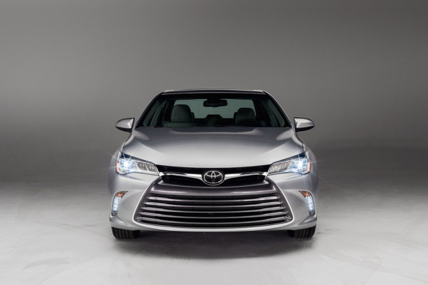 Toyota Camry 2015 Фото 09