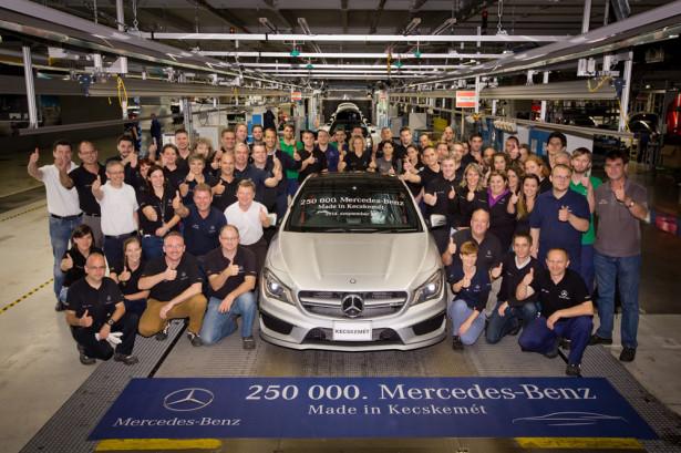 Mercedes Benz завод в Венгрии Фото 01