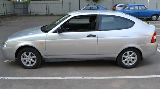 купе Lada Priora