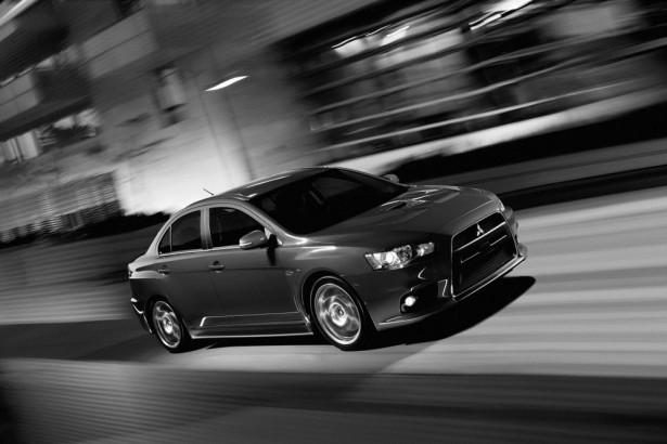 Mitsubishi Lancer Evolution 2015 Фото 04