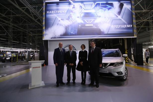 Nissan X-Trail 2015 в России Фото 02
