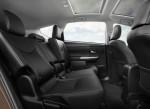 Toyota Prius v 2015 Фото 05