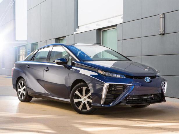 Водородный Toyota Mirai 2015 Фото 08