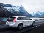 Volvo V60 Cross Country, exterior, driving