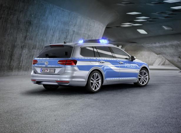 Полицейский Volkswagen Passat GTE 2015 Фото 02