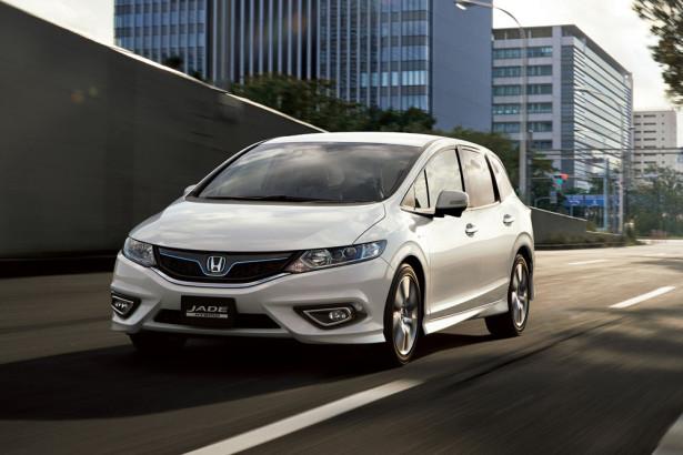 Универсал Honda Jade Hybrid 2015 Фото 01