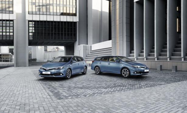 Toyota Auris Hatchback и Touring Sports  2015 Фото 01