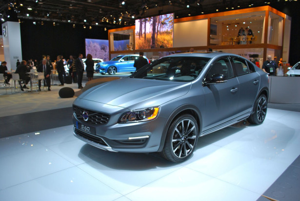 Volvo S60 Cross Country 2015 Фото 01