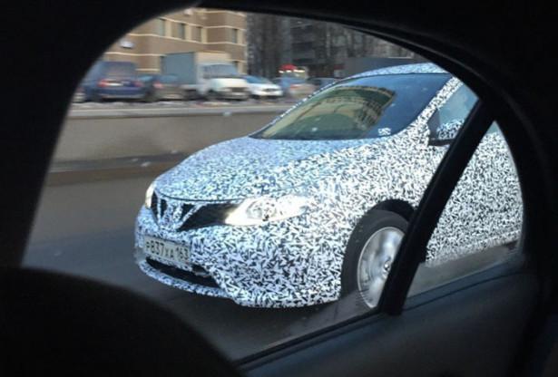 Nissan Sentra хэтчбек 2015 1