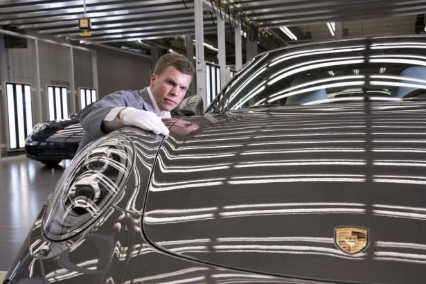 Завод Porsche 2015 Фото 01