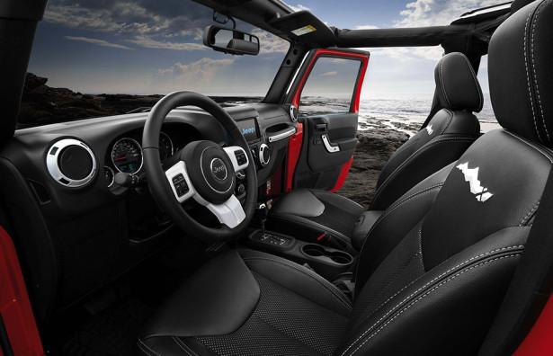 Jeep Wrangler X 2015 интерьер