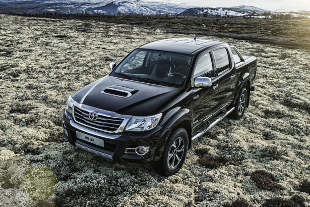 Toyota Hilux Invincible 2016