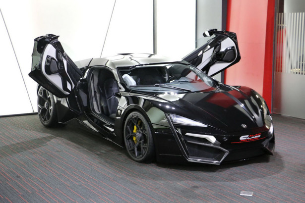 Lykan Hypersport  2015 Фото 04