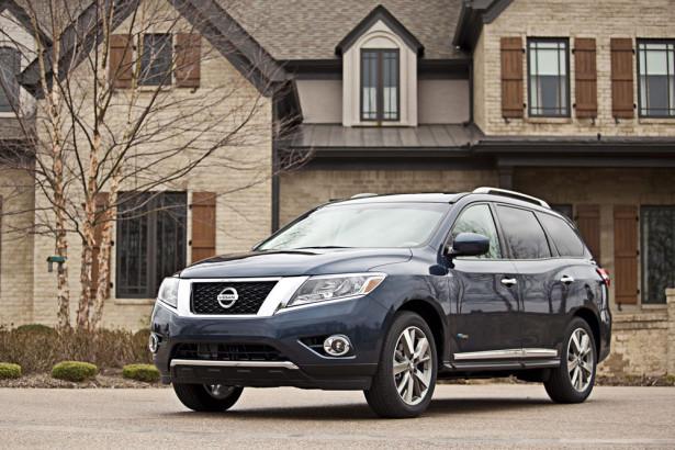 Nissan Pathfinder Hybrid 2015 Фото 03
